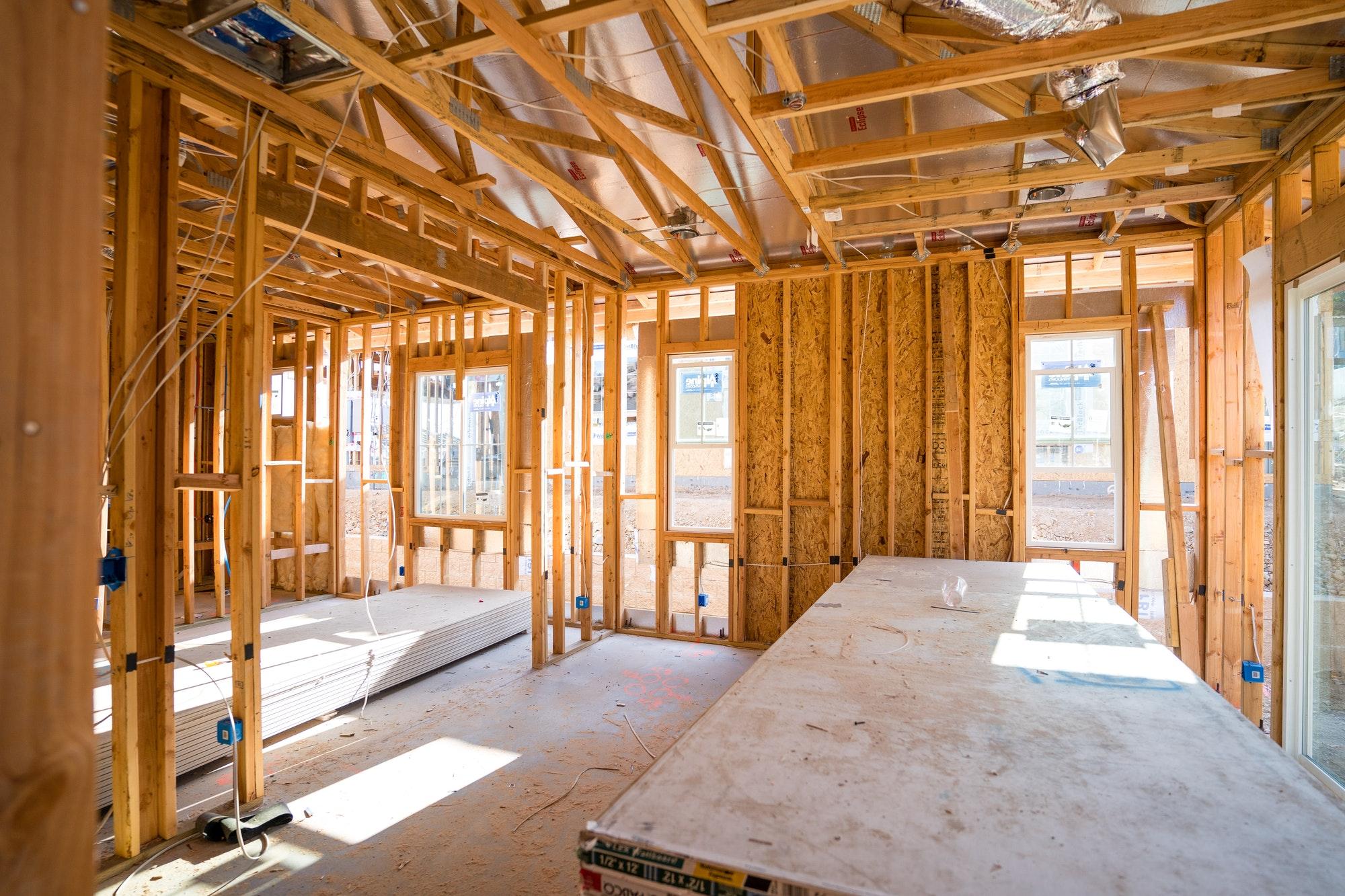 Udvide el-tavle samt udvidelse af en elinstallation i en tilbygning
