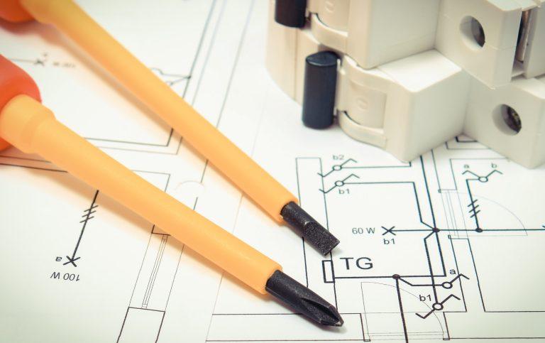 Udvide el-tavle samt udvidelse af en elinstallation Ring 72192222 for mere info eller anmod om tilbud på udvidelse af el-tavle